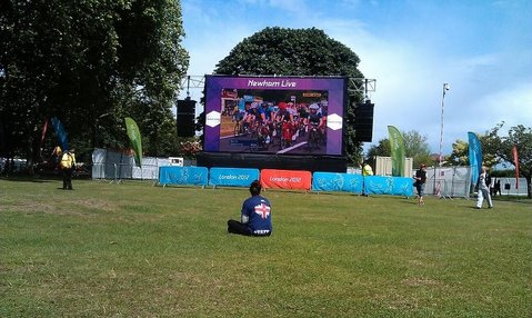 Olympics Fever at Newham livesite: photo: Simon Shaw