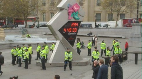 Olympics Clock on Trafalgar Square: Photo: @DSG_DSG
